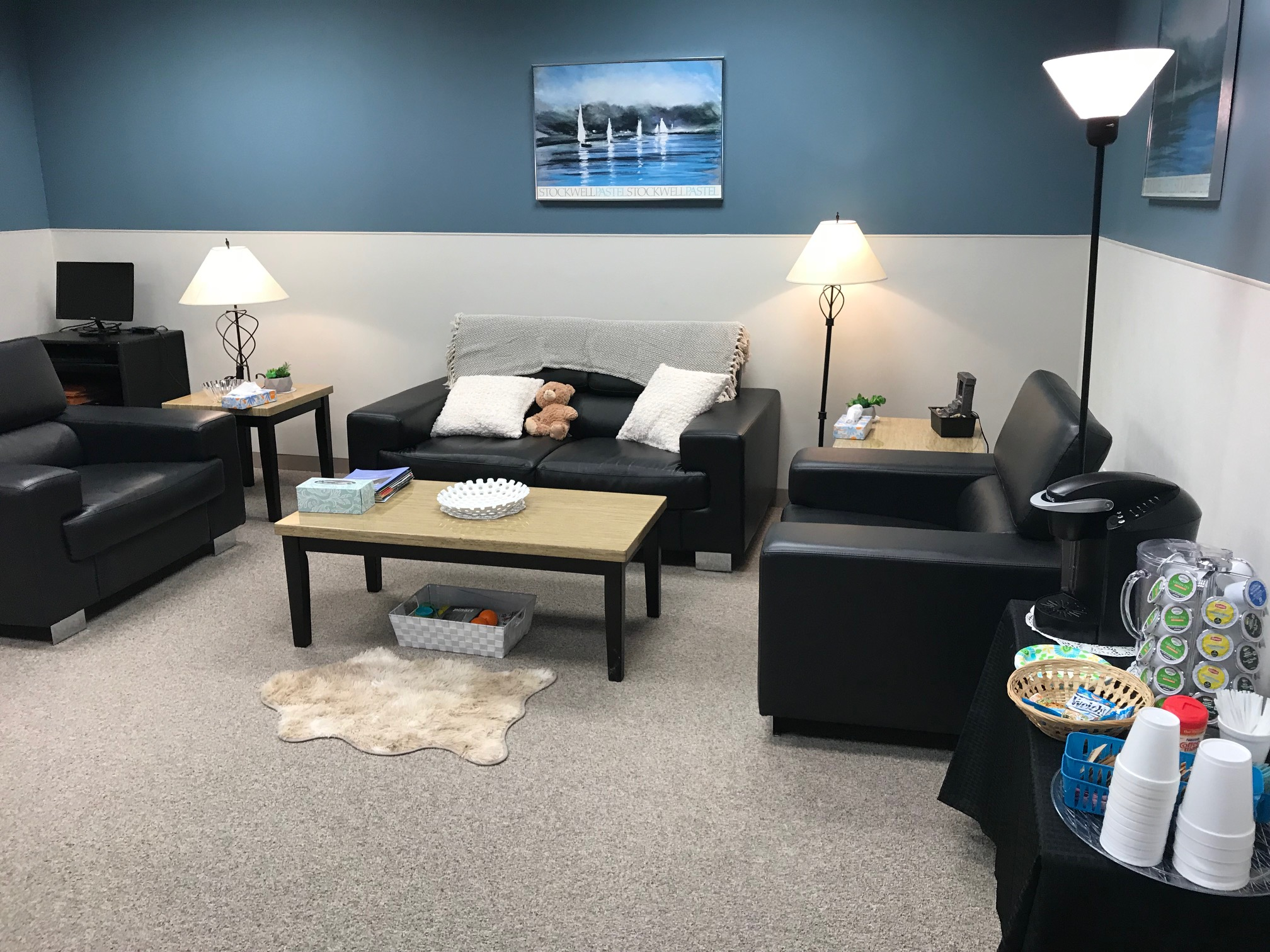 Guests are greeted not by psychiatrists or waiting rooms which can be intimidating but by Metropolitan Southwest\u0027s Peer Support Specialists Naoma Dye and ... & Welcome to the Living Room at Metropolitan Southwest - Metropolitan ...